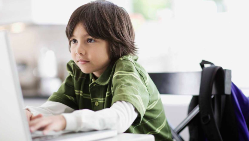 Improve Your Child's Writing and Literature Knowledge Through Online Classes